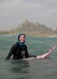 روایت زن ایرلندی از موج سواری در سواحل چابهار(+عکس)
