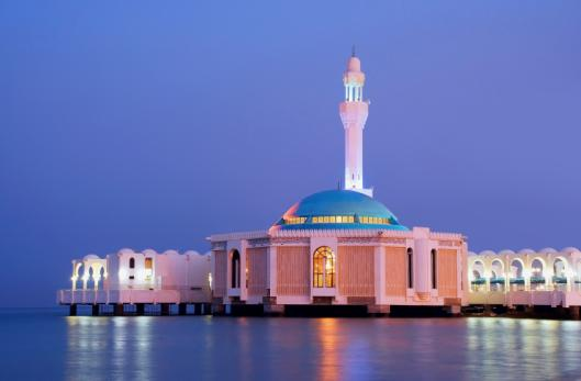 ساخت مسجد شناور در ساحل دریای سرخ