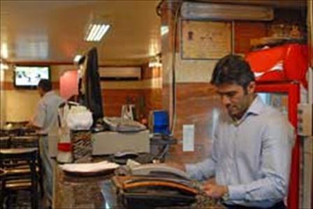 250501 587 - گشتی در رستوران احمدرضا عابدزاده (+عکس)