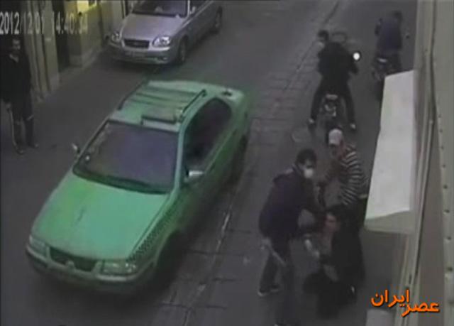 253767 745 - زورگیری چهار موتورسوار با قمه در تهران / عکس + فیلم