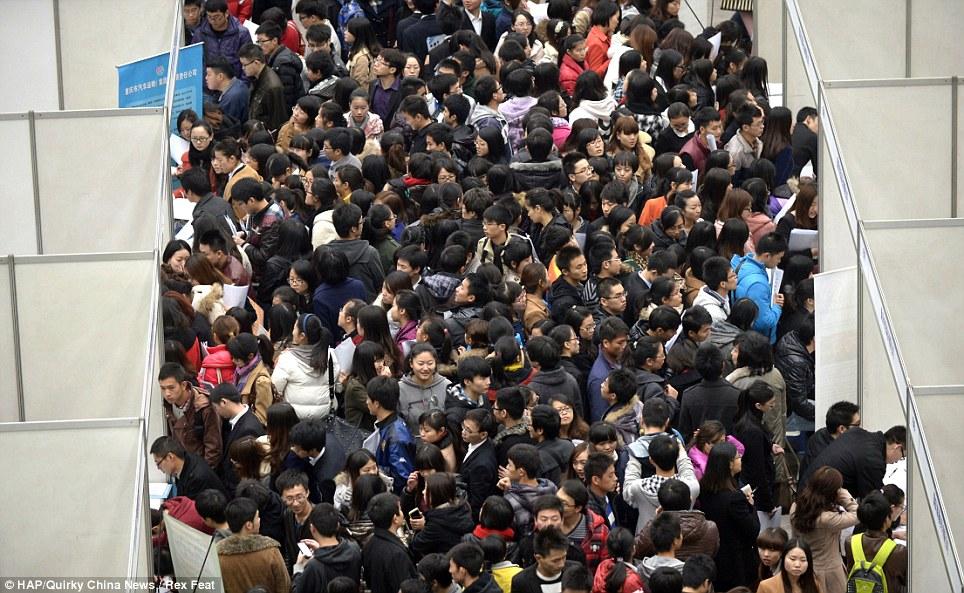 252398 246 نمایشگاهی برای استخدام این همه چینی! /عکس