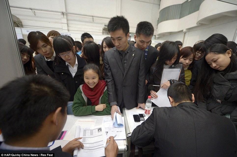 252399 673 نمایشگاهی برای استخدام این همه چینی! /عکس