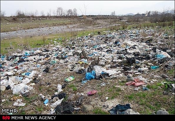 ریختن زباله در طبیعت