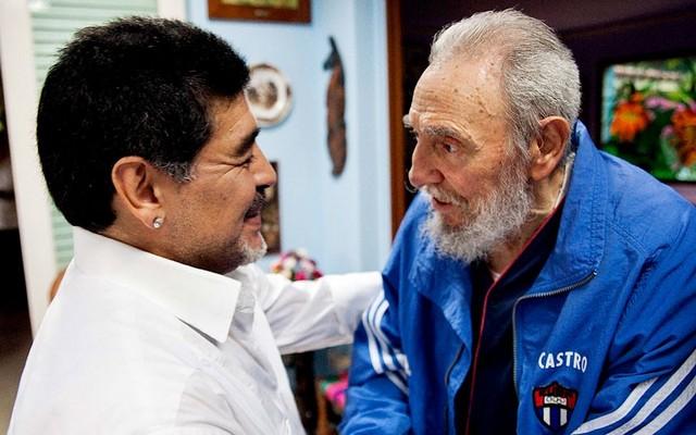 دیدار مارادونا با فیدل کاسترو