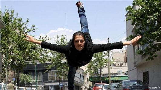 283784 338 - اولین دختر بدلکار ایرانی (+عکس)