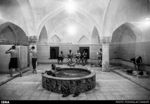 حمامهای سنتی دارای معماری گنبدی شکل بودند تا علاوه بر گرم نگه داشتن حمام نور کافی در طول روز تامین شود.