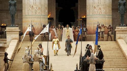 فیلمبرداری این فیلم حماسی - تاریخی اکتبر ۲۰۱۳ در آلمریای اسپانیا آغاز شد. بخشهایی از فیلم نیز در لندن و همچنین جزایر قناری فیلمبرداری شد.