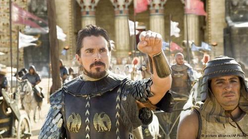 در این فیلم کریستین بیل نقش موسی را بازی میکند.