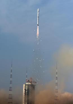 پرتاب راکت ماهواره بر چین به فضا