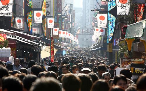 ازدحام بازار توکیو در روزهای خرید پایان سال