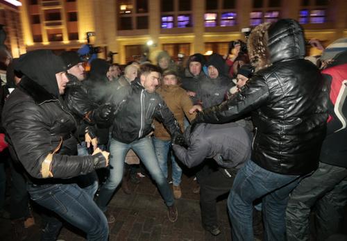 تظاهرات مخالفان پوتین در میدان سرخ مسکو فعالیت یک کوه آتشفشانی در مکزیک