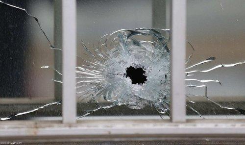 حمله به دفتر نشریه طنز فرانسوی در پاریس