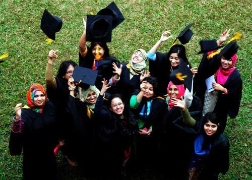 جشن فارغ التحصیلی دانشجویان دانشگاه داکا (بنگلادش)