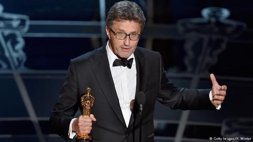 برنده اسکار بهترین فیلم غیرانگلیسی زبان به فیلم ایدا از لهستان رسید. این نخستین اسکاری به حساب میآید که تا کنون رهسپار این کشور شده است. ایدا یازدهمین فیلم سیاه و سفیدی به شمار میرود که از سال ۱۹۶۷ تا امروز نامزد دریافت اسکار بهترین فیلم شده بود.