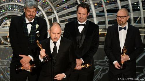 اسکار بهترین جلوههای تصویری ویژه به پاول فرانکلین، اندرو لاکلی، ایان هانتر و اسکات فیشر برای فیلم