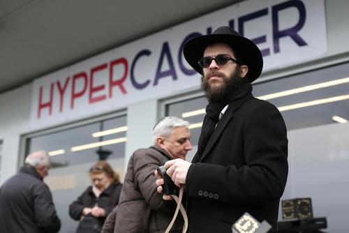 بازگشایی دوباره سوپر مارکت یهودیان در پاریس دو ماه پس از حمله و گروگانگیری خونین