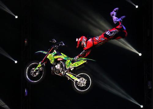 نمایش پرش با موتور در استادیوم المپیک مسکو