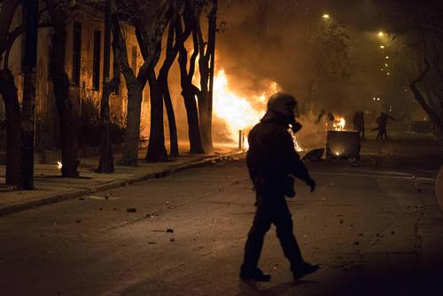 درگیری آنارشیست های یونان با پلیس در شهر آتن
