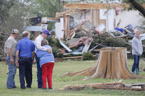 ویرانی خانه ها در اثر توفان در بنتلی ایالت کانزاس آمریکا
