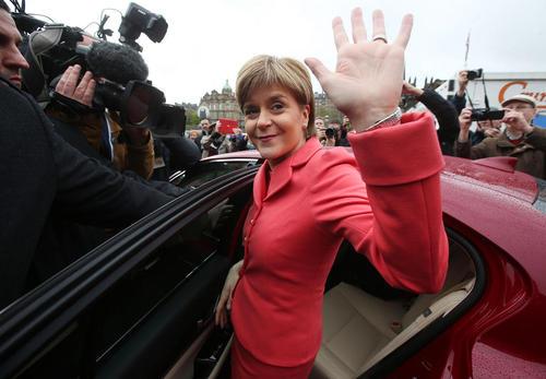 نیکولا استرجن  رهبر حزب ملی اسکاتلند در روز پایانی تبلیغات انتخابات سراسری بریتانیا در شهر ادینبورو مرکز اسکاتلند