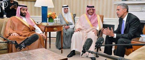 از راست: باراک اوباما رئیس جمهور آمریکا، محمد بن نایف ولیعهد و وزیر کشور ، عادل الجبیر وزیر خارجه و محمد بن سلمان جانشین ولیعهد و وزیر دفاع (پسر پادشاه) عربستان سعودی - کاخ سفید