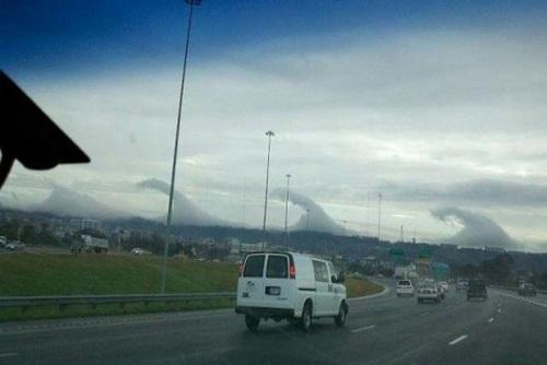 آلاباما: ابرهایی که به شکل چند تسونامی درآمدهاند.