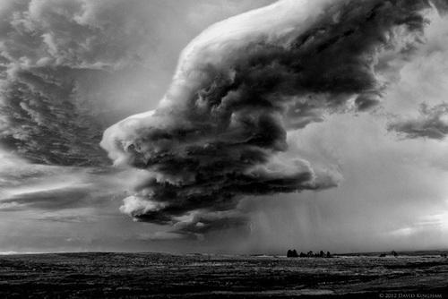داکوتای جنوبی: ابری با ظاهر ترسناک که در بالای دشتهای داکوتای جنوبی ایجاد شده است.