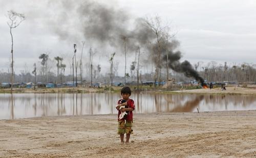 پلیس پرو دهها خانه غیر مجاز را در حاشیه آمازون تخریب کرد