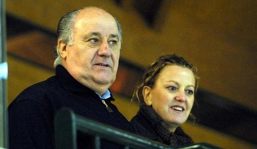 امانیکو اوتیگا و فلورا پرز:  بازرگان اسپانیایی امانیکو اورتگا گاوانا مالک فروشگاه های زنجیره ای «زارا»، به عنوان ثروتمندترین مرد اروپا شناخته شده است. ثروت او و همسرش حدود 70.7 میلیارد دلار برآورد می شود.