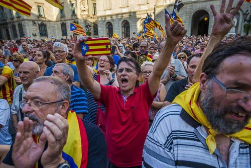تظاهرات جدایی طلبان کاتالان در شهر بارسلونا اسپانیا