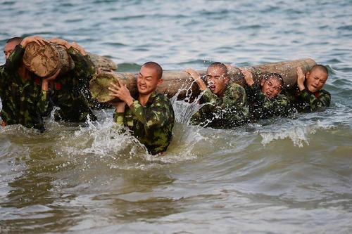 تمرینات آمادگی جسمی نیروهای ارتش چین – شنزن