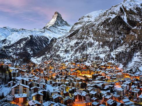 شهر کوچک مترهورن در سوییس – زمستان 2014