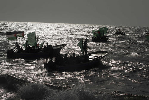 آموزش داوطلبان یگان های دریایی گردان عزالدین قسام در ساحل حماس