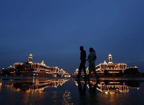 چراغانی شهر دهلی نو به مناسبت سالگرد استقلال هند