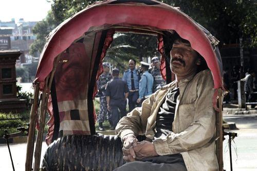 مسافر کش ریکشا (سه چرخه های مسافر بر) در شهر کاتماندو نپال