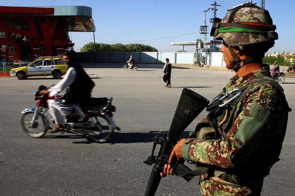 ایست بازرسی ارتش در شهر قندهار افغانستان