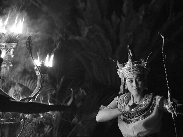 یک جشنواره آیینی در جزیره بالی اندونزی
