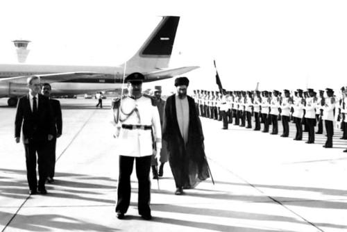 مراسم استقبال از حضرت آیتالله خامنهای در فرودگاه دمشق
