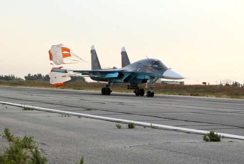تعمیر و نگهداری جنگنده های سوخو در فرودگاه حمیمیم - لاذقیه سوریه