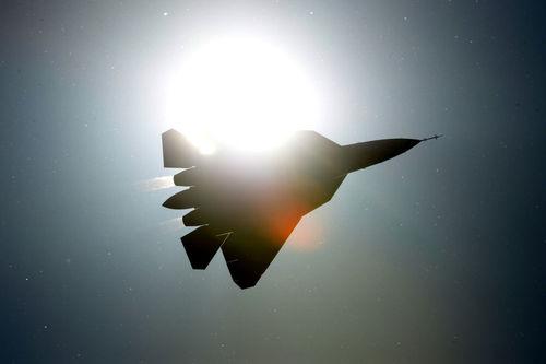 پاک - فا، جنگنده نامرئی چند منظوره نسل پنجم ساخت « سوخوی» است. این هواپیماها یگانه پاسخ روسیه به جنگنده های نسل پنجم آمریکا مانند « اف -22 راپتور» و « اف -35 لایتنینگ II» است. جنگنده « پاک فا» با حداکثر سرعت 2600 کیلومتر در ساعت هواپیماهای دوران جنگ سرد را عقب می راند