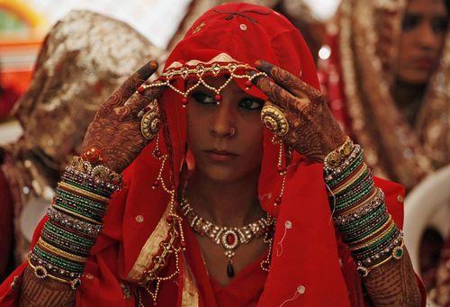 مراسم ازدواج دسته جمعی 60 زوج مسلمان در شهر احمد آباد هند