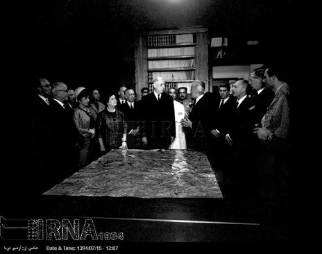 ژنرال دوگل از انستیتوی پاستور تهران بازدید می کند