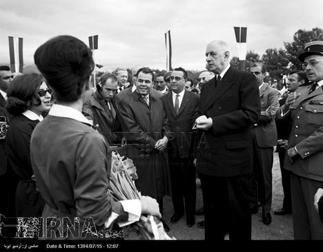ژنرال دوگل از دبیرستان رازی بازدید می کند