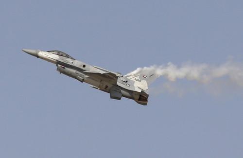جنگنده F16