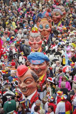 کارناوال خیابانی در شهرهای مینز و کلن آلمان