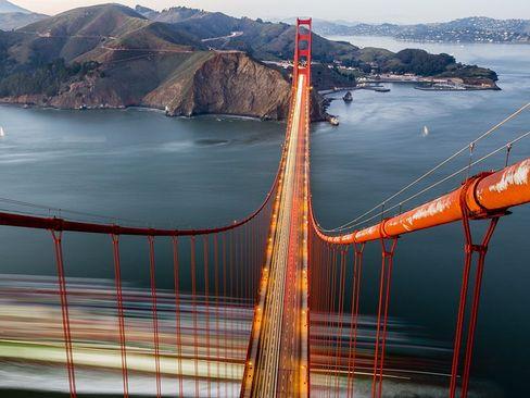 پل دروازه طلایی در شهر سانفرانسیسکو آمریکا