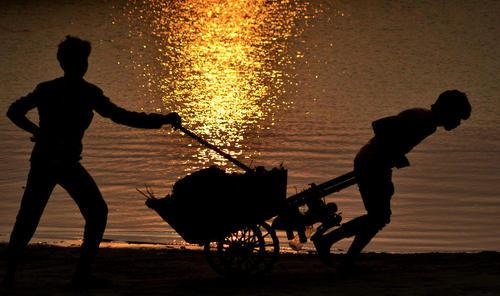 حاشیه رود گنگ در الله آباد هند