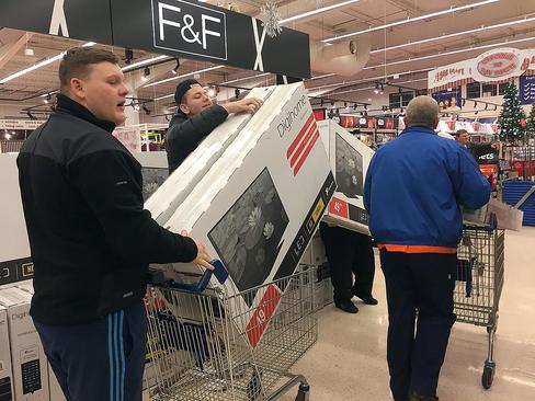 خرید لوازم صوتی و تصویری در حراج جمعه سیاه از فروشگاه های نیوکاسل و لندن