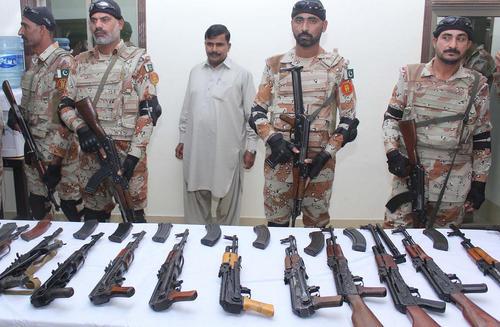 کشف اسلحه قاچاق در کراچی پاکستان
