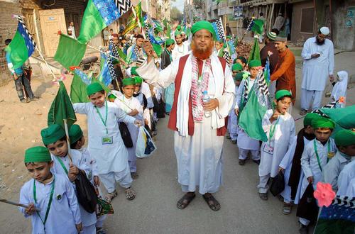 برگزاری جشن میلاد نبی در حیدرآباد پاکستان